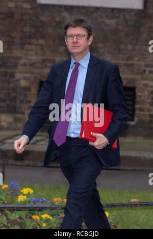 London, United Kingdom. 15 January 2019. Greg Clark, Secretary of State for Business, Energy and Industrial Strategy arrives at 10 Downing Street for the weekly cabinet meeting ahead of the critical Brexit vote. Credit: Peter Manning/Alamy Live News - Stock Image