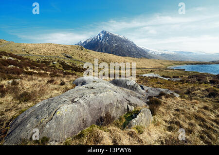 Pen yr Ole Wen, the seventh highest mountain in Snowdonia and in Wales, represents the most southerly part of the Carneddau range. - Stock Image
