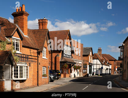 England, Berkshire, Goring on Thames, High Street, Miller of Mansfield  pub and shops - Stock Image