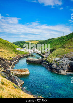 2 July 2018: Boscastle, Cornwall, UK - The harbour of the fishing village of Boscastle on a summer evening. - Stock Image
