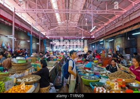 Food market, Old Market, market hall, Siem Reap, Cambodia, Asia - Stock Image