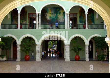 Inner courtyard of the Gobierno Palace in Merida - Stock Image