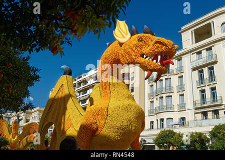 A dragon made with lemon and orange at lemon festival i(Les mondes fantastiques) in Menton (French Riviera) . February 2019 - Stock Image