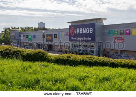 The Range and Halfords stores in East Kilbride, South Lanarkshire, Scotland, UK. - Stock Image