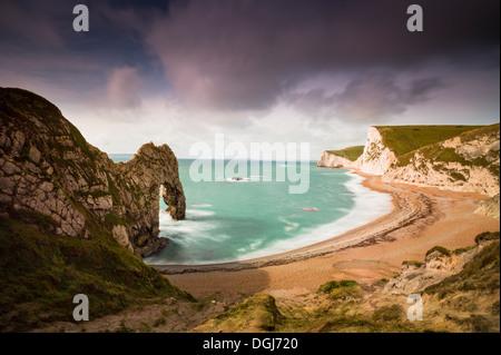 A view toward Durdle Door in Dorset. - Stock Image