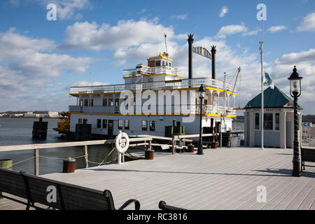 Cherry Blossom riverboat anchored on the Potomac river In Alexandria, Virginia USA - Stock Image