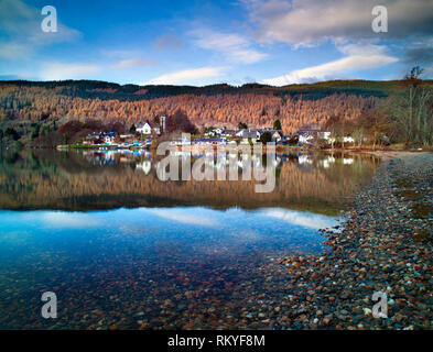 Looking across Loch Tay towards Kenmore in the Scottish Highlands. - Stock Image