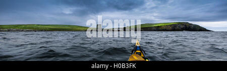 Mousa Broch, photographed from a sea kayak - Stock Image
