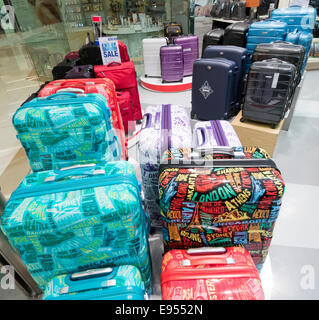 Suitcases on display in a shop - Stock Image