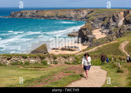 The rugged, spectacular coastline at Carnewas and Bedruthan Steps on the North Cornwall Coast. - Stock Image