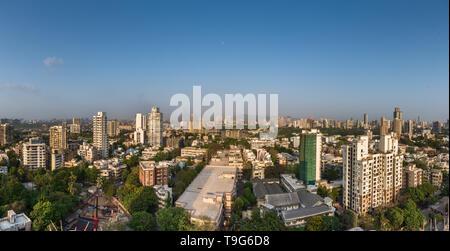 Mumbai city overlooking Sion & Dharavi, India - Stock Image