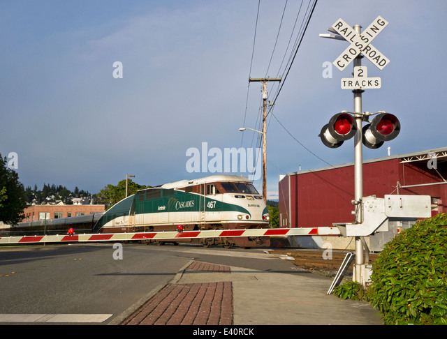 amtrak-cascades-passenger-train-at-a-rai