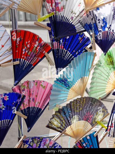 colorful-traditional-japanese-folding-fa
