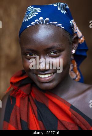 Dizzi Stamm Frau Porträt, Omo Valley, Kibish, Äthiopien Stockbild