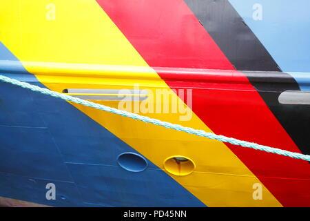 Deutsche Nationalflagge malte auf der Wand, Bremerhaven, Bremen, Deutschland, Europa ich zur Deutschen Nationalflagge in die Schiffswand gemalt, Bremerhave Stockbild