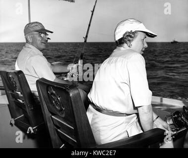 Präsident Harry und Bess Truman Angeln in der Nähe von Key West, Florida, Dez. 2, 1949. Sie verbrachten Stockbild
