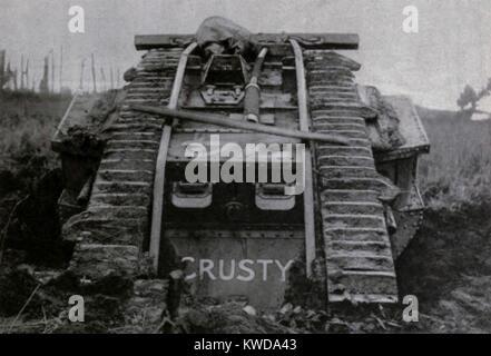 Weltkrieg 1. Britische Mark IV Tank namens Crusty vor von Cambrai zu kämpfen. 1917. (BSLOC_2013_1_150) Stockbild
