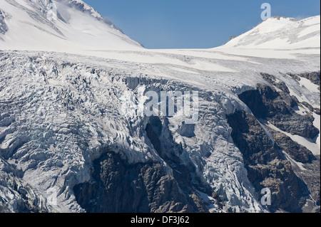 Österreich/Nationalpark Hohe Tauern - Auswirkungen des Klimawandels: Gletscher schmelzen. eisfall an pasterze Glacier. Stockbild