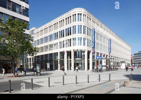 Textil Kaufhaus Peek und Cloppenburg, modernes Gebäude im Zentrum der Stadt, Hannover, Niedersachsen, Deutschland, Europa ich Textilkaufhaus Stockbild