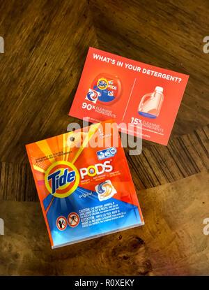 Tide Waschmittel Probe von Mailer Werbung © Myrleen Pearson... Ferguson Cate Stockbild
