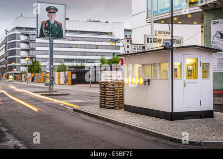 Checkpoint Charlie in Berlin, Deutschland. Stockbild