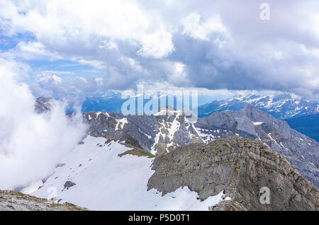 Auf dem Gipfel des Säntis, Appenzell Alpen, Schweiz - Blick auf die umliegende Landschaft. Stockbild