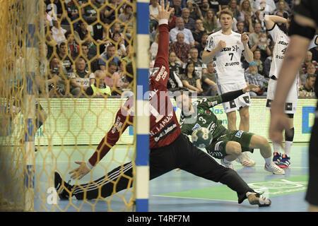 Berlin, Deutschland. 18 Apr, 2019. Handball: Bundesliga, Füchse Berlin - THW Kiel, den 27. Spieltag. Fox Spieler Fabian Umfangreiches ein Tor erzielt. Quelle: Jörg Carstensen/dpa/Alamy leben Nachrichten Stockbild