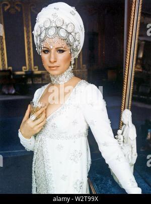 FUNNY LADY 1975 Columbia Pictures Film mit Barbra Streisand Stockbild