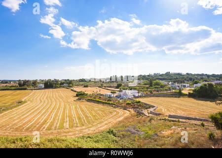 Lecce, Apulien, Italien - Landwirtschaft in der italienischen Region trulli Gebäude Stockbild