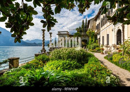 Blick auf den See vom Botanischen Garten im Dorf von Vezio, Provinz Como, Comer See, Lombardei, Italienische Seen, Italien, Europa Stockbild
