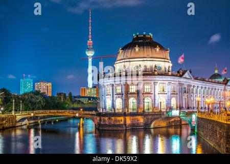Berlin, Deutschland-Blick auf die Museumsinsel und den Fernsehturm. Stockbild