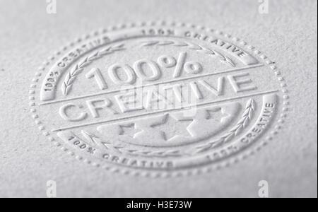 3D Abbildung einer Briefmarke auf eine Papierstruktur mit einhundert Prozent kreativ, horizontale Textbild geprägt. Stockbild