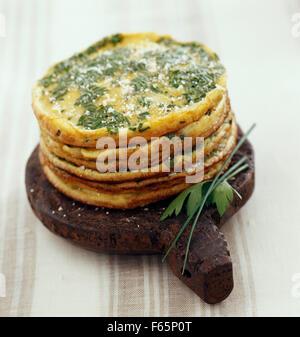 Omelett-Kuchen (Thema: unter freiem Himmel) Stockbild
