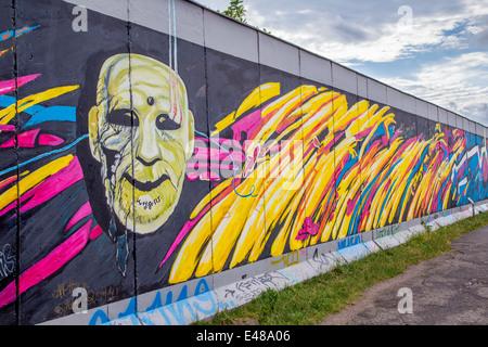 Berliner Mauer Graffiti-Kunst in der East Side Gallery, Berlin, Deutschland Stockbild