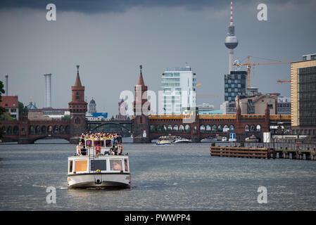 Berlin. Deutschland. Bootsrundfahrt auf der Spree. Stockbild