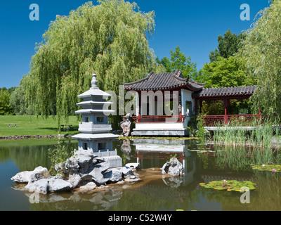 Der Tee-Pavillon auf der chinesische Garten, der Garten der Welt in Marzahn in Berlin Deutschland Stockbild