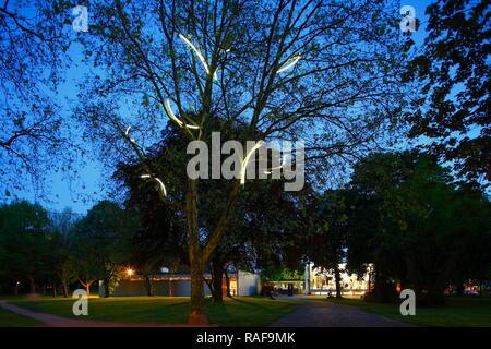 DEU, Deutschland, Duisburg: Kant-Park bei Abenddaemmerung | DEU, Deutschland, Duisburg: Kant-Park Dämmerung Stockbild