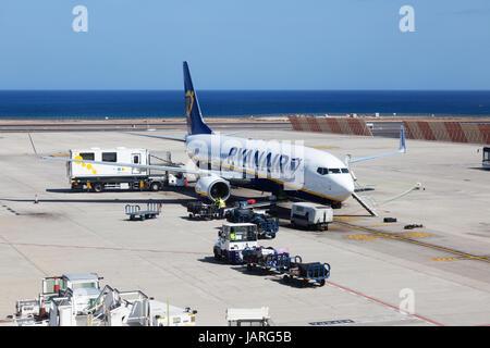 Ryanair-Flugzeug auf dem Boden, Lanzarote Flughafen, Lanzarote, Kanarische Inseln Europas Stockbild