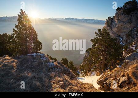 Frankreich, Isère, Moucherotte, Sonnenaufgang vom Gipfel des Vercors Bereich Stockbild