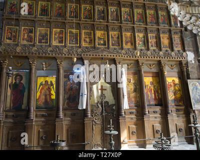 Bellapais Abbey eine touristische Attraktion in Nordzypern mit gotische Ruinen und eine schöne orthodoxe Kirche Stockbild