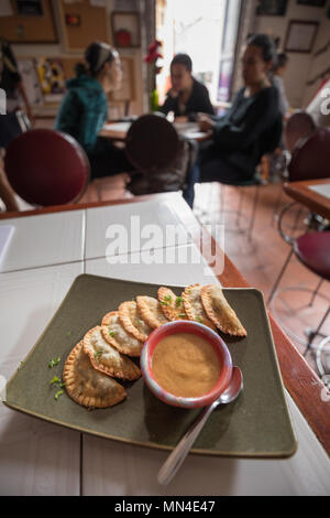 Empanadas & Suppe, La Canadelaria, Bogota, Kolumbien Stockbild