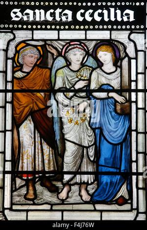 Glasmalerei von St. Cecilia, Oxford Kathedrale am Christ Church College, Oxford, Oxfordshire, England, Vereinigtes Stockbild