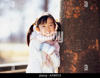 Mädchen in Wolle Schalldämpfer Stockbild