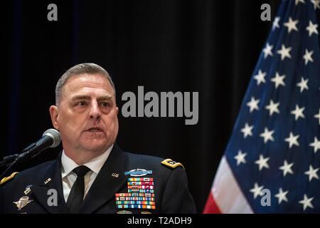 Us-Generalstabschef Gen. Mark A. Milley spricht während der Zeremonie für den Kommandeur des US Central Command, General Joseph L. Votel, Macdill Air Force Base, 29. März 2019 in Tampa, Florida. Votel im Ruhestand nach 39 Jahren Militärdienst. Stockbild