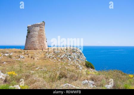 Minervino, Apulien, Italien - Wandern auf den alten Wehrturm des Minervino Stockbild