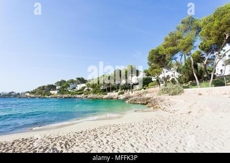 Cala d'Or, Mallorca, Spanien - Spuren im Sand am Strand von Cala d'Or Stockbild