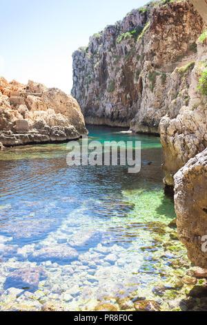 Apulien Leuca, Italien, Grotte von ciolo - An der Bucht von Grotoo Ciolo Stockbild