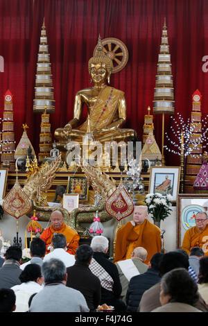 Buddhistische Zeremonie, Magha Puja, Wat Velouvanaram, Bussy Saint Georges, Seine et Marne, Frankreich, Europa Stockbild