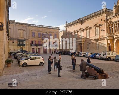 Gebäude rund um St. Paul Platz, das in der ummauerten Stadt Mdina, die ehemalige Hauptstadt von Malta Stockbild
