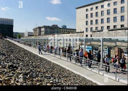 Berliner Mauer-Reste und Museum, Dokumentationszentrum, Stiftung Topographie des Terrors, historische Stätte, Stockbild